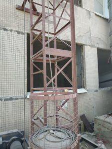 проверка вертикальности металлоконструкций